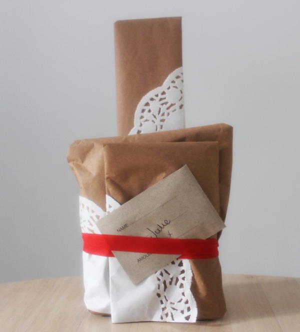 doily Christmas wrapping